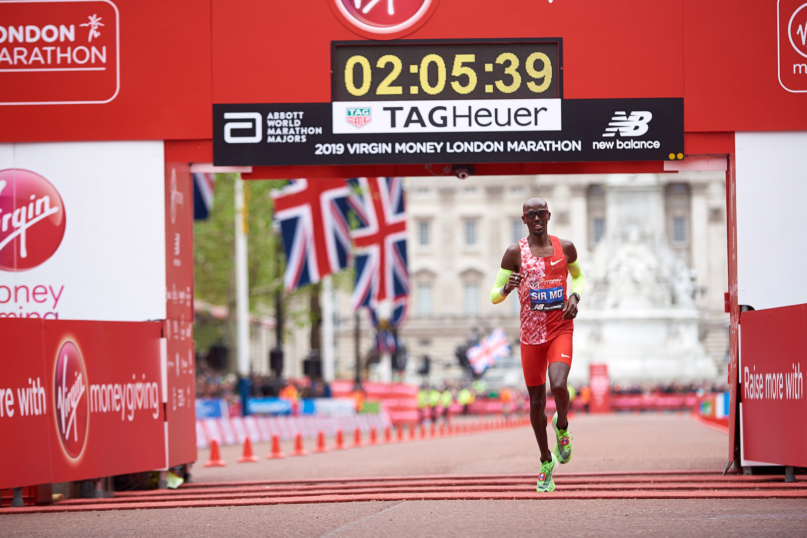 Mo Farrah comes in fifth in  the elite men's race at the London Marathon on April 28th, 2019.